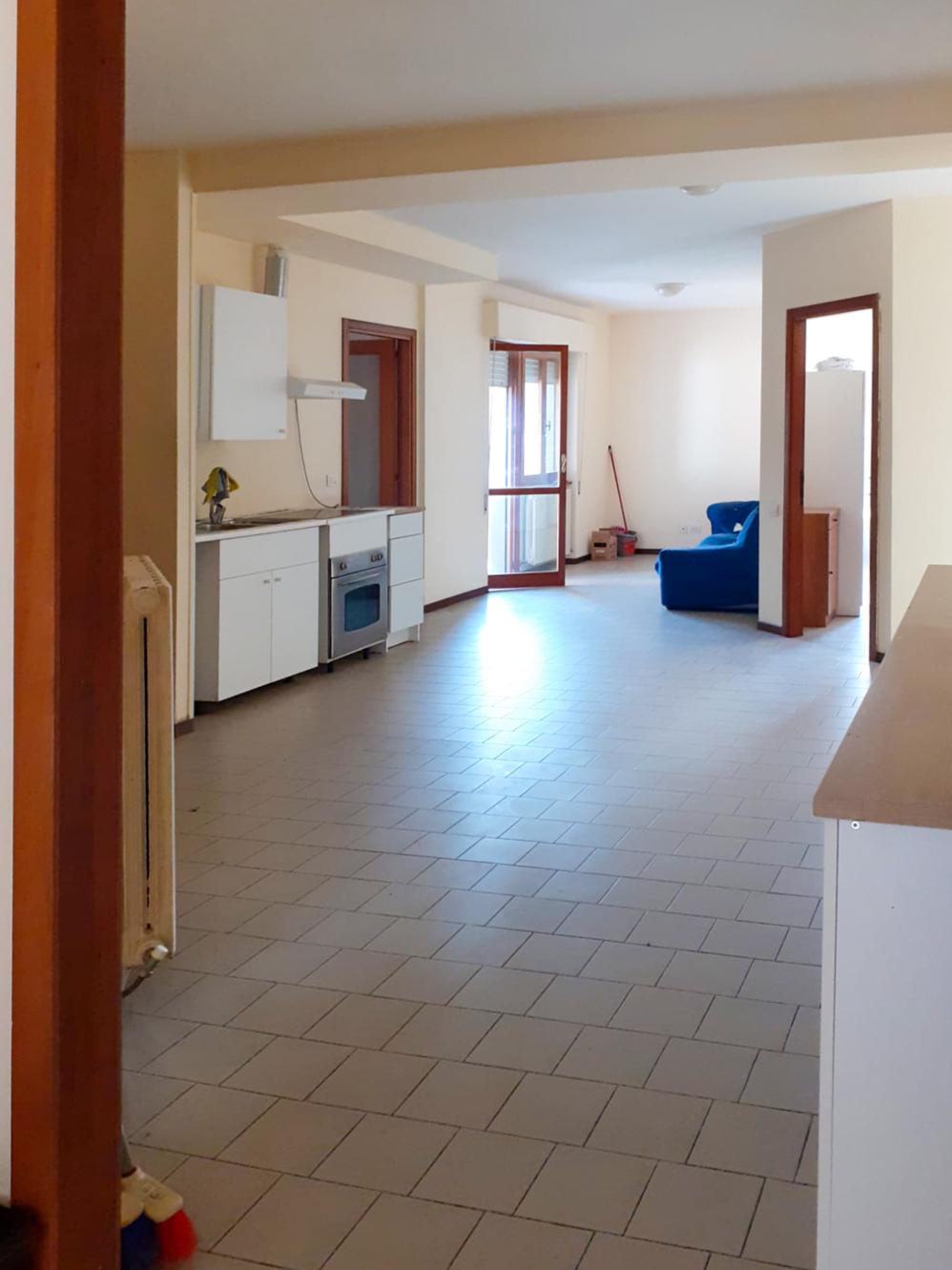 Appartamento ampia metratura con terrazzo abitabile – Zona Via Cioci, Macerata