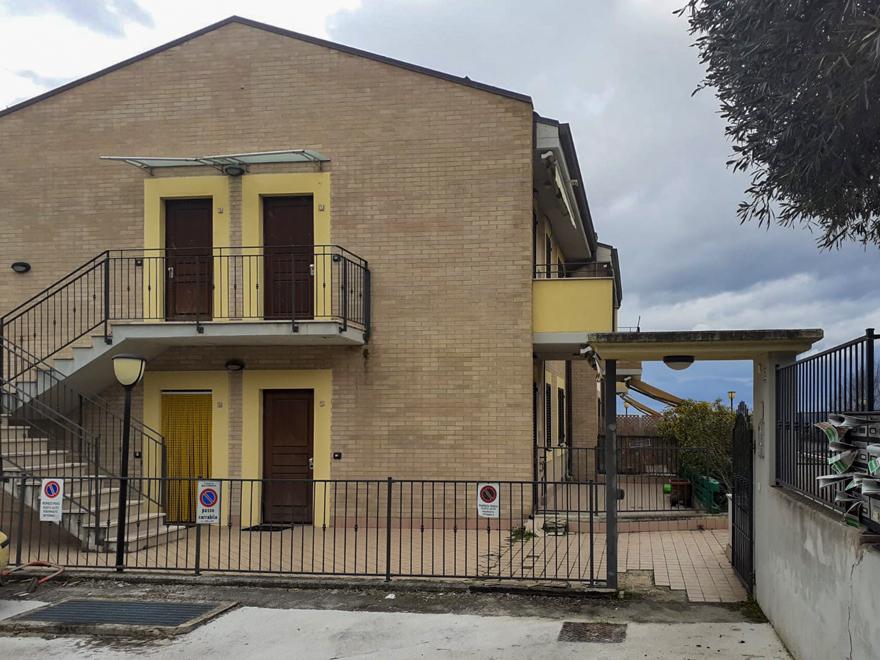 Bilocale recente costruzione con lastrico esterno esclusivo, Macerata