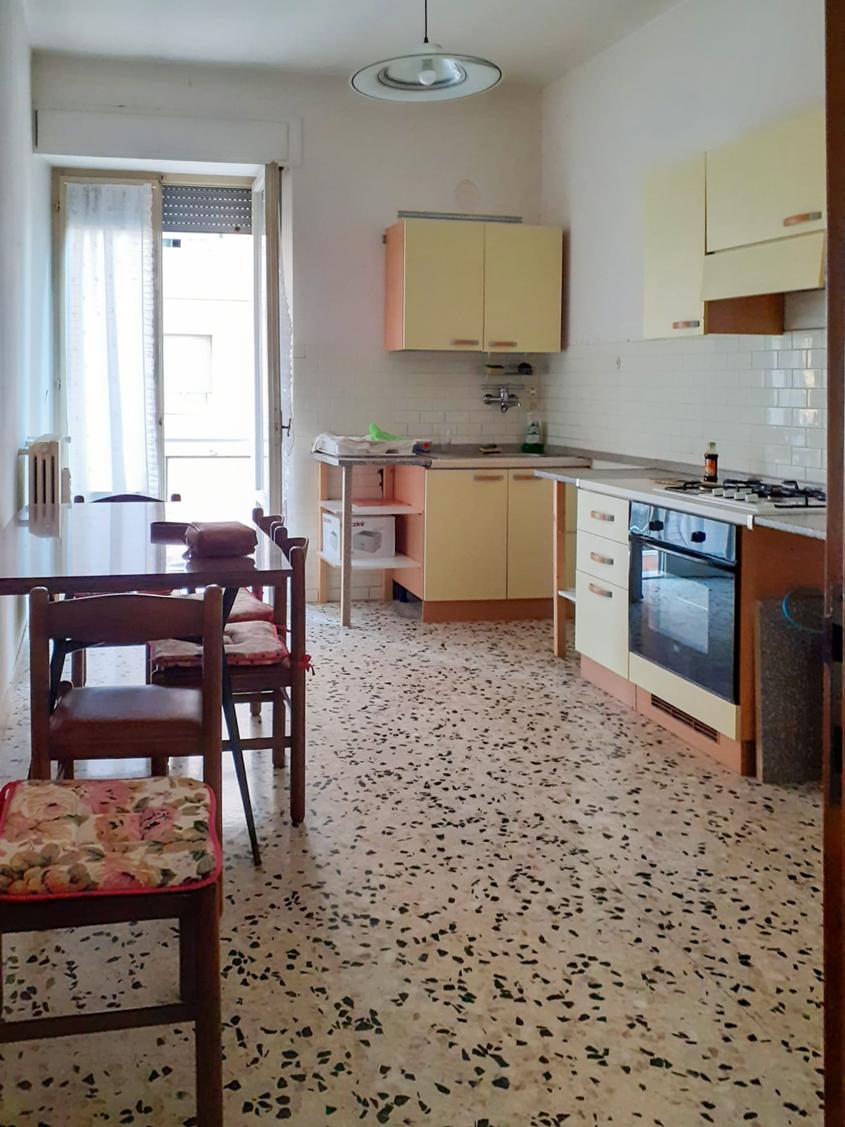 Appartamento abitabile – Zona Santa Croce, Macerata