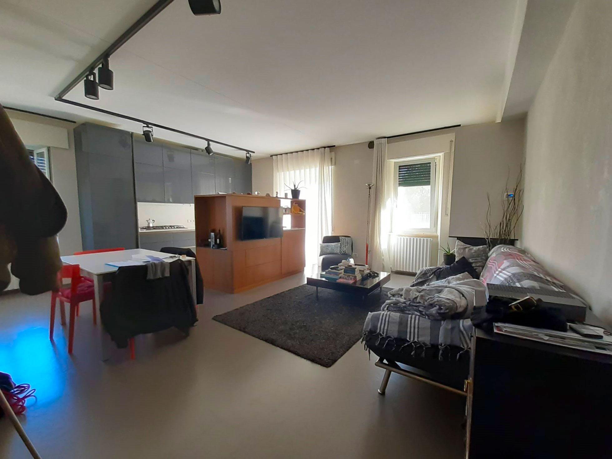 Appartamento finemente ristrutturato, Zona Via dei Velini-Macerata