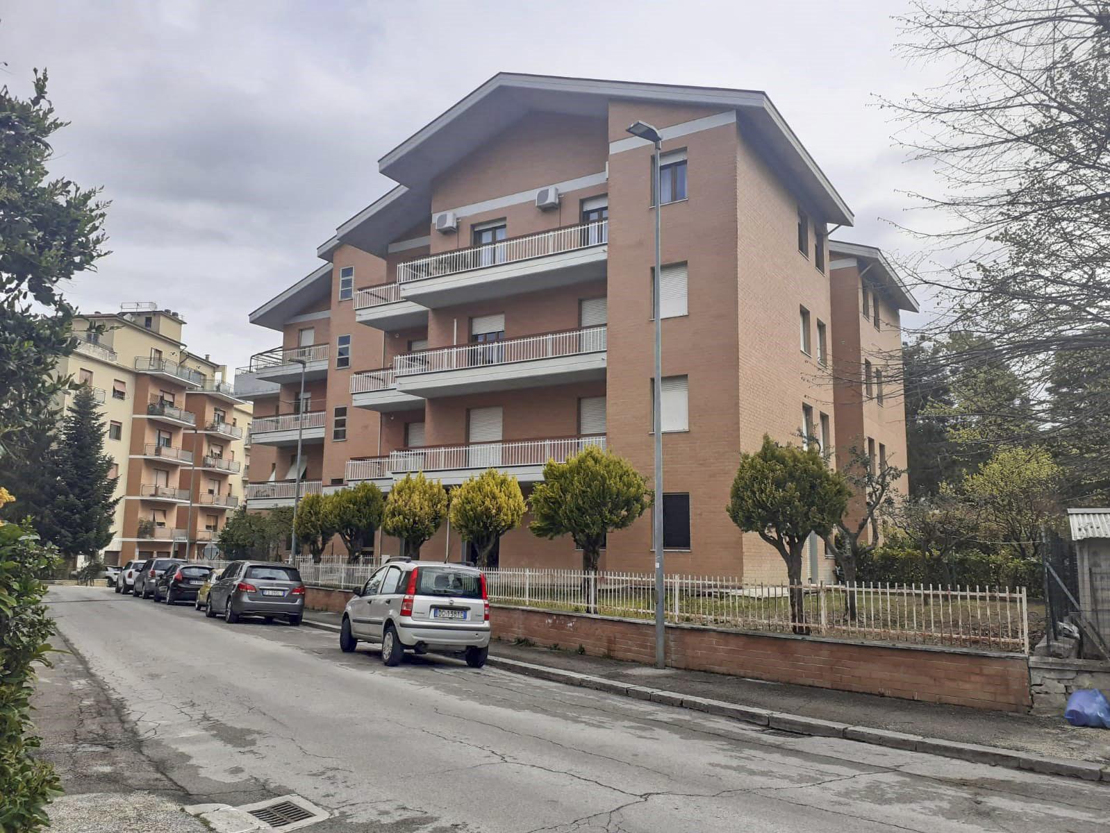 Appartamento con terrazzo abitabile –  Zona Colleverde, Macerata
