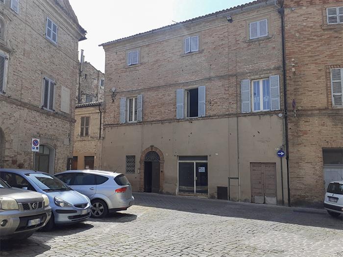 Appartamento panoramico con garage , Centro storico-Recanati
