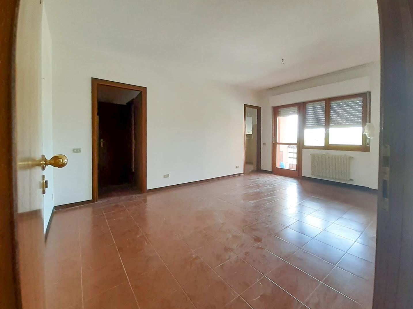 Appartamento luminoso e panoramico, Zona Colleverde -Macerata